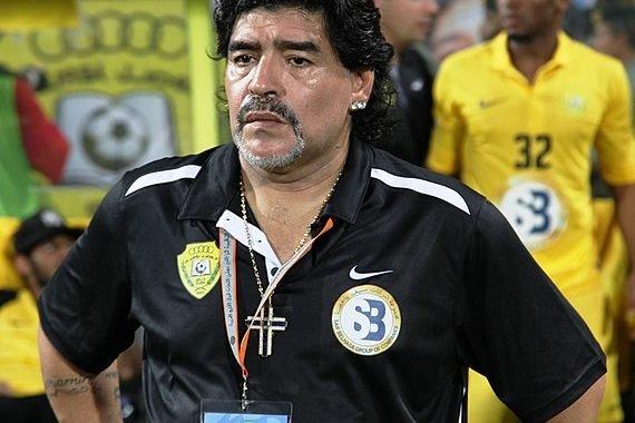 """Maradona opinó que Solari """"no tiene espalda para soportar"""" al Real Madrid"""