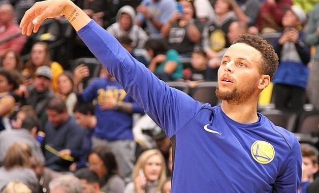 Una joven fan se quejó por no encontrar los Curry 5 en su talla y el jugador respondió