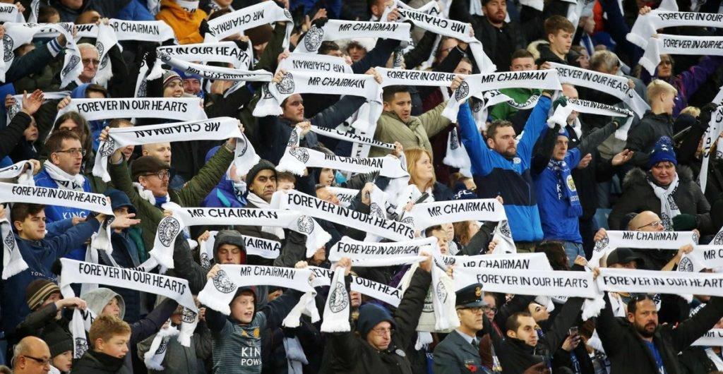 Los fanáticos mostraron su respeto por Khun Vichai (Twitter Leicester City)