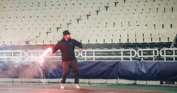 La violenta batalla entre hinchas de AEK Atenas y Ajax en Grecia