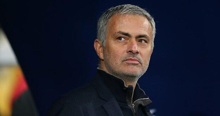 Así perdió la cordura José Mourinho al festejar el gol de Fellaini