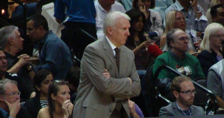 Popovich se convierte en el cuarto entrenador con más victorias en la NBA