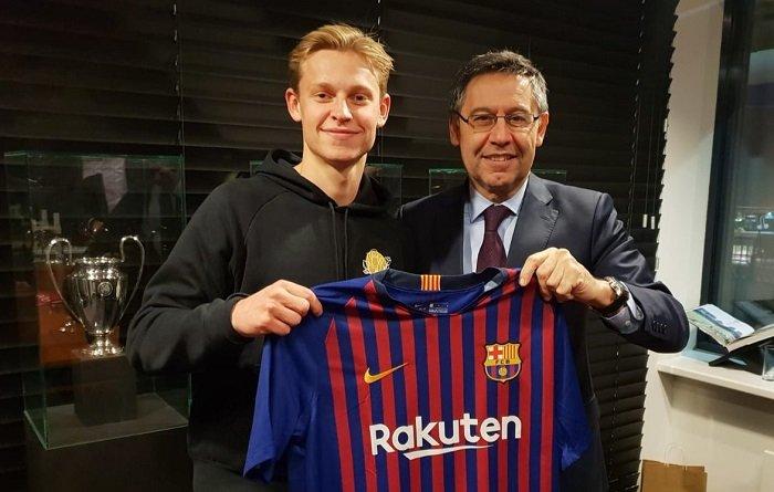 De Jong es la nueva adición del FC Barcelona y el vigésimo holandés en la historia del club (Twitter Barcelona)