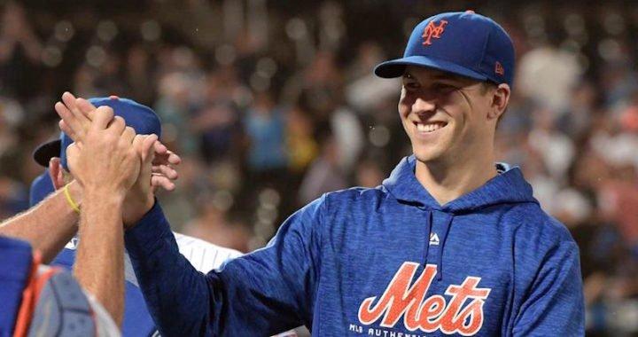 Jacob deGrom evitó el arbitraje y acordó con los Mets por una cifra récord