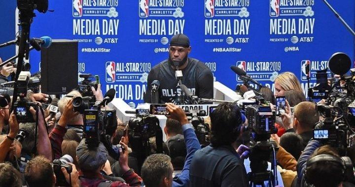 """LeBron James: """"Uso el número 23 por el gran Michael Jordan"""""""