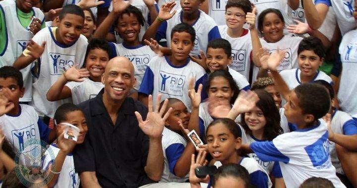 Leyenda de la NBA subastó sus anillos y trofeos en pro de la caridad