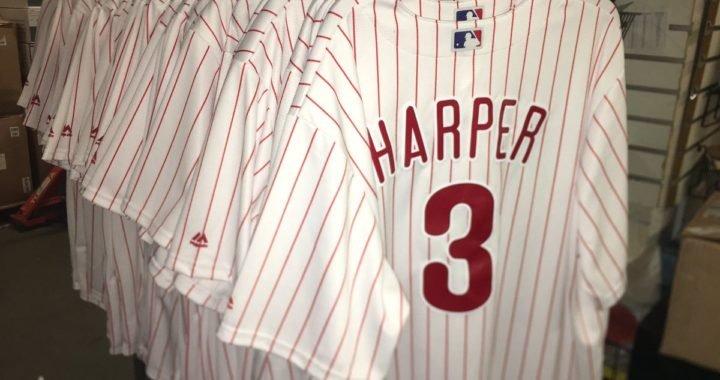 Bryce Harper rompe otro récord más allá de su mega contrato