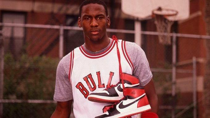Celebramos el cumpleaños 57 de Jordan con sus mejores jugadas en los playoffs