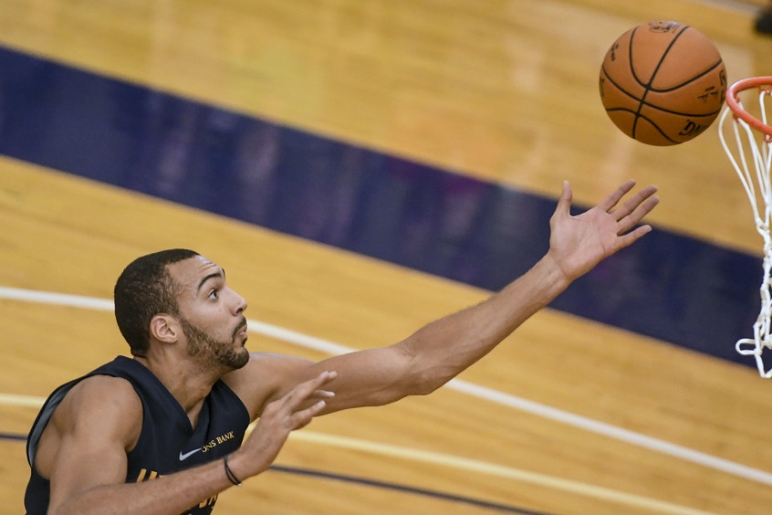 Rudy Gobert cuenta su experiencia como víctima del coronavirus (Crédito: US Air Force Photo)