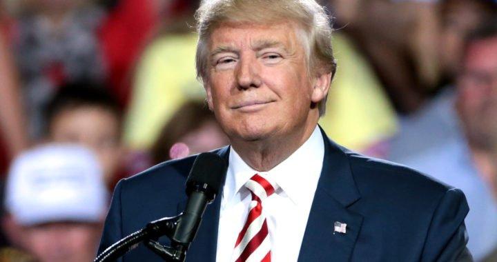 Trump avisa que no mirará NFL y MLS si los jugadores se arrodillan durante el himno