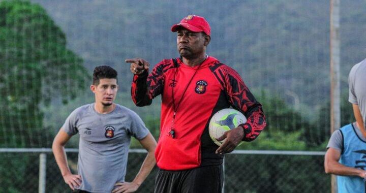 """""""Chita"""" Sanvicente seguirá al frente del Caracas FC"""